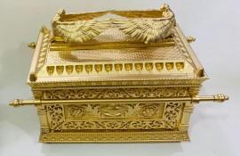 Arca da Aliança  dourada ,Gigante