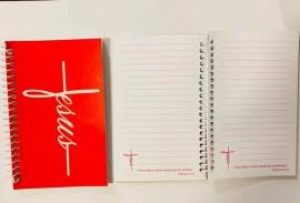 Caderneta com pauta ,palavra JESUS (rosa)